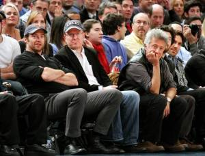 The superstars took time out from filming recently to catch a Nicks game!